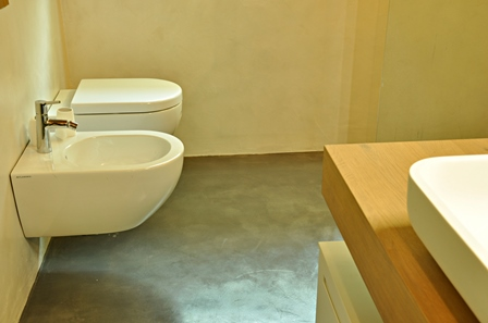 Resin floor in bathroom