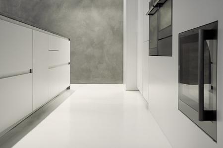 Pavimento in resina per la cucina moderna - Pavimenti in cemento per interni pro e contro ...