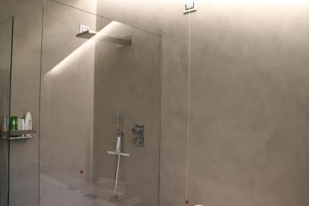 Rivestimenti in resina pavimento bagno cucina for Bagni in resina prezzi