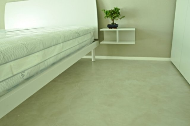 Microconcrete on the floor