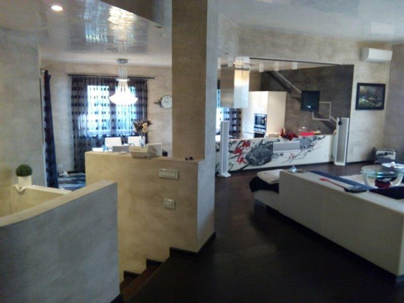 Pavimenti in resina per abitazioni appartamenti dal - Resina per top cucina prezzi ...